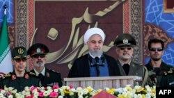 Hassan Rouhani hərbi paradda çıxış edən zaman, 22 sentyabr 2019
