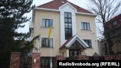 У посольстві очікують засудження заяв Ґроспіча