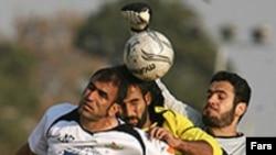 کمیته انضباطی فدراسیون فوتبال تیم صنایع را از کلیه دیدارهای خانگی محروم کرد