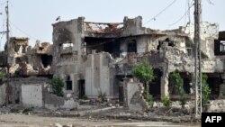 """آثار المواجهات بين قوات الأمن العراقية ومسلحي """"داعش"""" في مدينة الرمادي"""