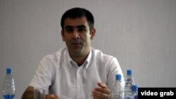 Xalid Ağəlıyev.