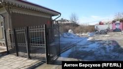 Двор обкома КПРФ в Новосибирске, где установят памятник Сталину