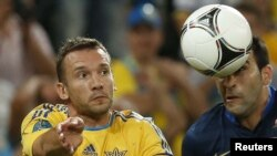 Українці сподіваються на вдалу гру капітана збірної Андрія Шевченка, але його вихід на поле під загрозою через ушкодження