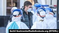 Евакуація через коронавірус: українці з Чехії та Польщі прибули в Україну – фоторепортаж