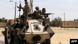 Газа секторында жүрген египет әскерилері. Синай түбегі, 2 1 мамыр 2013 жыл