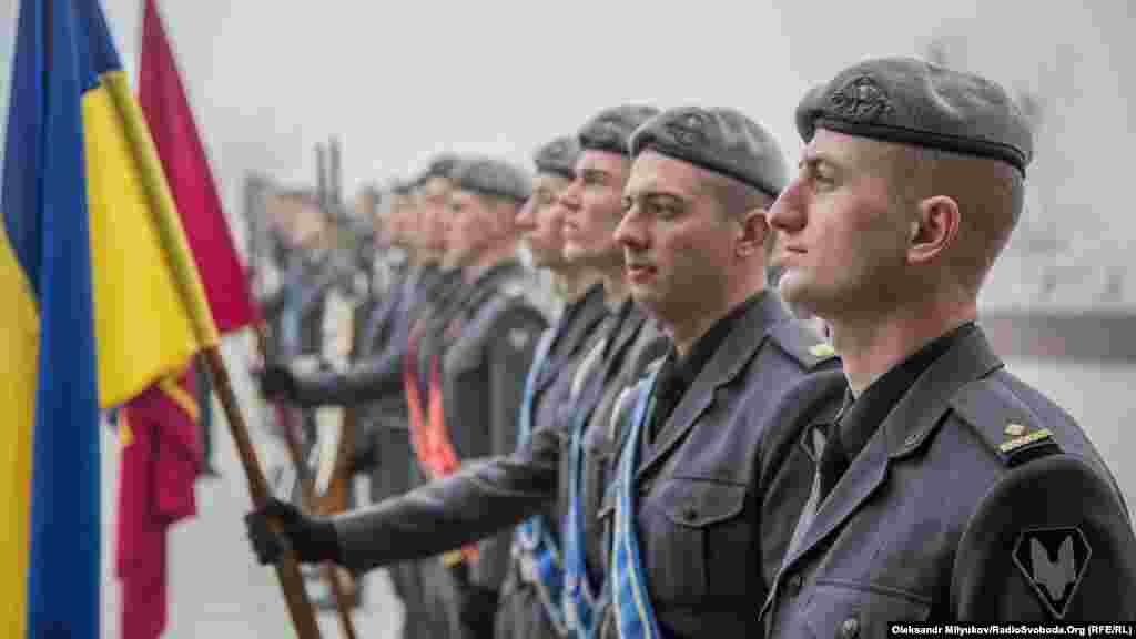 В почетном карауле – курсанты Одесской Военной академии