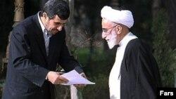 Jannati keçmiş prezident Mahmud Ahmadinejad-ın əsas dəstəkçisi idi