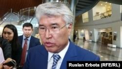Министр культуры и спорта Казахстана Арыстанбек Мухамедиулы. Астана, 23 мая 2016 года.