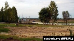 Закапаныя хаты цыганскага паселішча