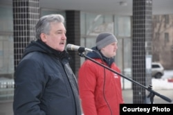 Петр Золотарев на митинге