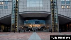 Intrarea în Parlamentul European, Bruxelles