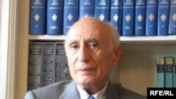 احسان یارشاطر، سرویراستار دانشنامه ایرانیکا