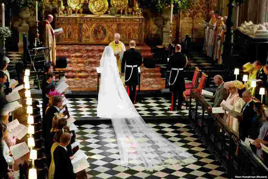 Принц Гарри и Меган Маркл во время церемонии бракосочетания.