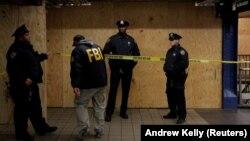 Poliția și FBI la locul atacului de la New York