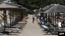 По-трудният достъп до плажовете в северна Гърция ги остави много по-празни в сравнение с предишни години