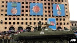 Военный парад в Сухуми в честь 20-летия Дня Победы, 30 сентября 2013 г.