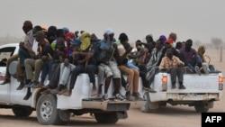 Мигранты из Нигера направляются в Ливию, Агадез.