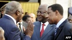 Средба на досегашниот претседател на Брегот на Слоновата Коска Лаурент Гбагбо со западноафриканските лидери