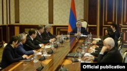 Armenia - President Serzh Sarkissian chairs a meetinf of a commission on constitutional reform, Yerevan, 13 March 2015