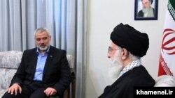 دیدار اسماعیل هنیه با رهبر جمهوری اسلامی در بهمن ماه سال ۹۰ در تهران