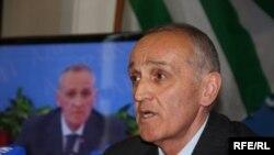 Непосредственно с президентом абхазские журналисты встретились 10 октября