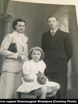 Андрій Гречановський з дружиною Євгенією Возник та дочкою Софією