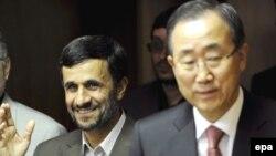 Iranian President Mahmud Ahmadinejad (left) with UN Secretary-General Ban Ki-moon in New York in September 2008