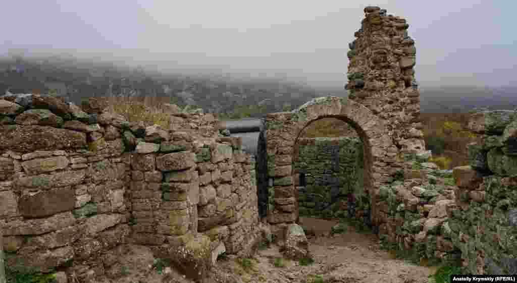 Фуна – середньовічна фортеця, точніше, те, що від неї залишилося біля підніжжя плато Демерджі, за два кілометри на північ від села Лучисте поблизу Алушти. Назва фортеці в перекладі з грецької означає «димна». Спочатку, в ранньому Середньовіччі, Фуною називали і саме плато Демерджі