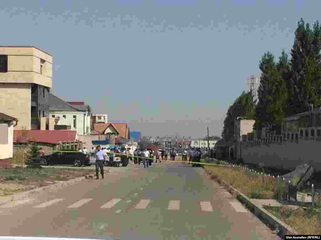 Для выяснения произошедшего на место выехала оперативная группа МЧС, бригада службы спасения МЧС КР по городу Бишкеку, противопожарная служба.
