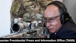 Раптова перевірка військ і заяви Кадирова – підготовка Путіна до великої війни чи елемент тиску щодо Донбасу?