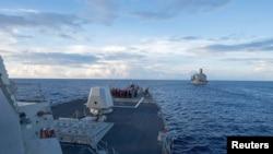 """Американский военный корабль """"Дьюи"""" в Южно-Китайском море"""