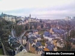 Вид города Люксембург - столицы маленького, но самого богатого государства Европы