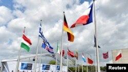 Uz himnu Crne Gore, među 28 zastava članica NATO-a podignuta je i crnogorska