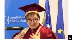 Maria Bucur, la ceremonia de primire a titlului de Doctor Honoris Causa la SNSPA