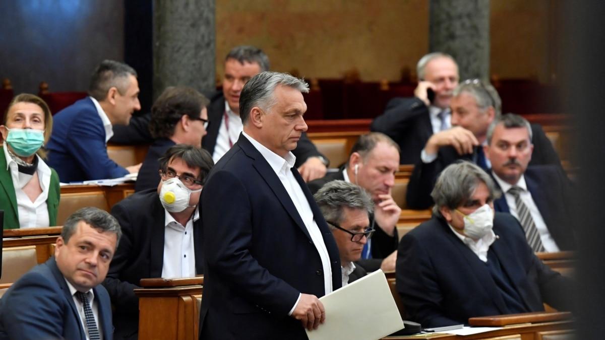 Орбан получил новые широкие полномочия на фоне коронавирус в Венгрии