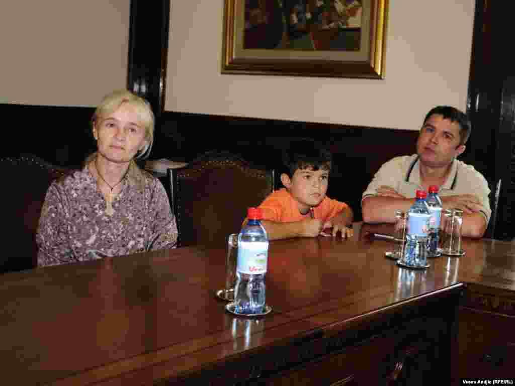 Ivo Josipović sastao se sa porodicama izbeglica, povratnika u Hrvatsku, 19. jul 2010.