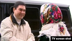 "Berdimuhamedow ""Babadurmaz"" daýhan birleşiginde, 23-nji fewral, 2011-nji ýyl."