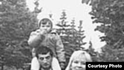 Фаик Гасанов с женой Галиной Польских и дочкой Ирадой