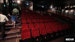 Too many empty Iranian theaters, say owners.