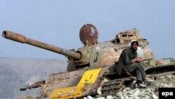 Советский танк на просторах Афганистана.