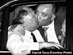 Прэм'ер-міністры Беларусі і Расеі Вячаслаў Кебіч і Віктар Чарнамырдзін, 1994 год