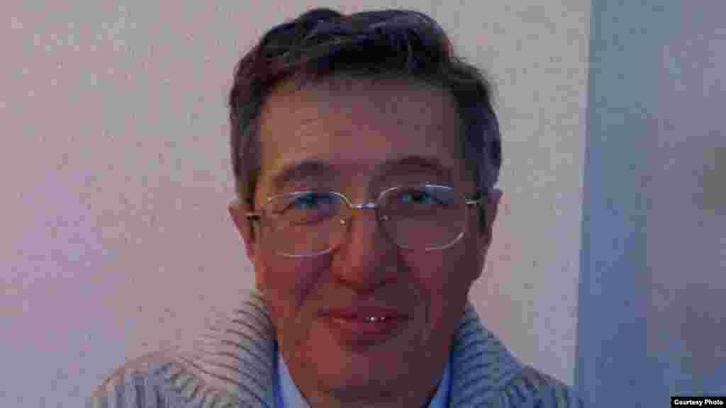 Два месяца предварительного заключения получил пастор христианской пресвитерианской церкви «Благодать» из Астаны Бахытжан Кашкумбаев за якобы причиненный тяжкий вред здоровью одной из прихожанок. Сама «пострадавшая» отрицает причинение вреда её здоровью. Ему грозит семь лет тюрьмы.
