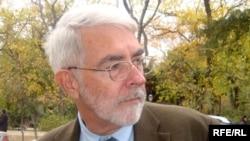 Терри Девидсон, глава отдела по связям с общественностью посольства США