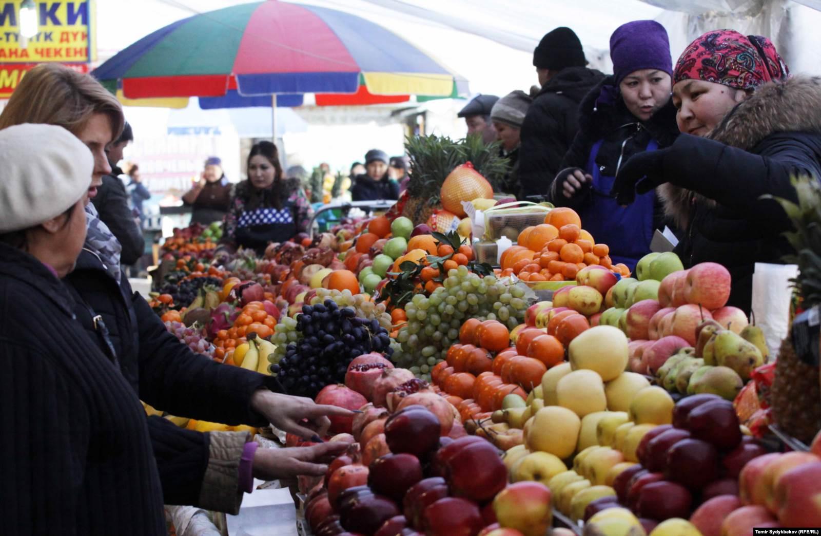 Ошский рынок в Бишкеке