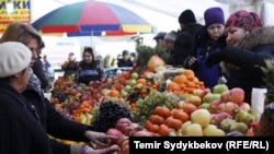 Ошский базар в Бишкеке.