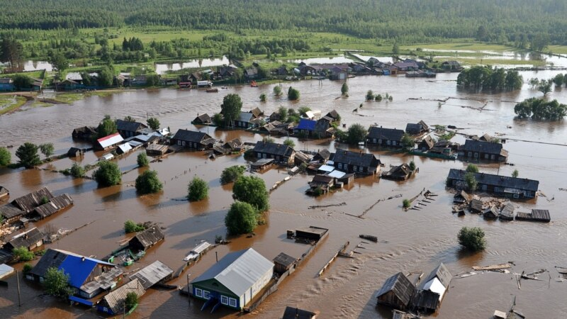 Повені на півдні Сибіру призвели до жертв і сотень потерпілих