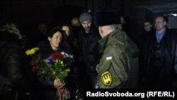 Зустріч бійця батальйону «Донбас» після шестимісячного полону «ДНР», Запоріжжя, 27 лютого 2015 року