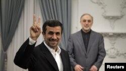 Иран президенті Махмұд Ахмединежад.