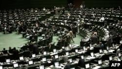 مجلس ایران پیشنهاد کاهش سهم صندوق توسعه ملی تا ۲۲ درصد را هم در پیش داشت که آن را رد کرد