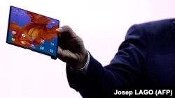 Раскладны тэлефон-пляншэт Huawei, ілюстрацыйнае фота